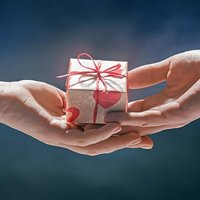 NRF Survey: Jewelry Tops List of 2018 Valentine's Day Gifts; Category Grows 9.3%